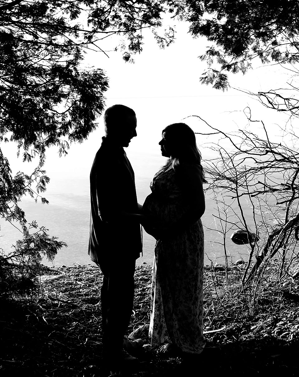 Outdoor silhouette of pregnant parents, lake simcoe sunset, Sibbald's Point Provincial Park